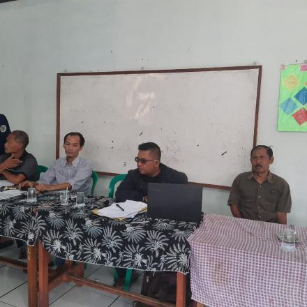 Sosialisasi kegiatan pembangunan madrashah RW 02 yang dibiayai dari Dana Desa Tahap III Tahun Anggar